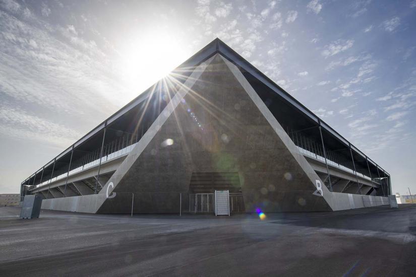 Le stade de la Tuilière de Lausanne fait partie des nominés pour la 11e édition du «stade de l'année», un prix remis par le site spécialisé STADIUMDB.COM